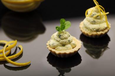 Babeczka z pastą miętowo-cytrynową