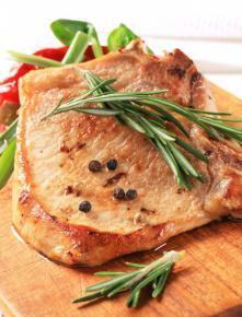Pieczeń wieprzowa z sosem chrzanowym