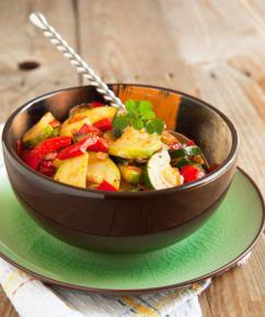 Sałatka z grillowaną cukinią i sosem czo