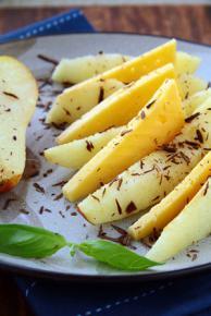 Gruszki z żółtym serem i ciemną czekolad