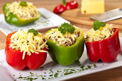 Faszerowane papryki z żółtym serem