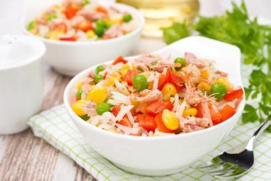 Niskokaloryczna sałatka z tuńczykiem i s