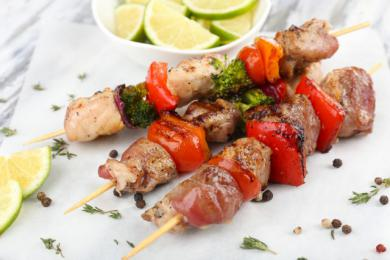 Ogniste szaszłyki mięsno-warzywne