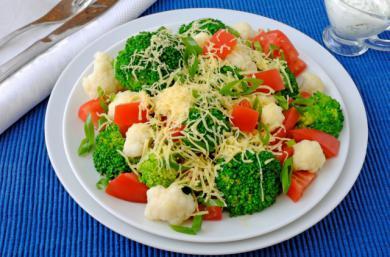 Lekka sałatka brokułowa, z kalafiorem, p